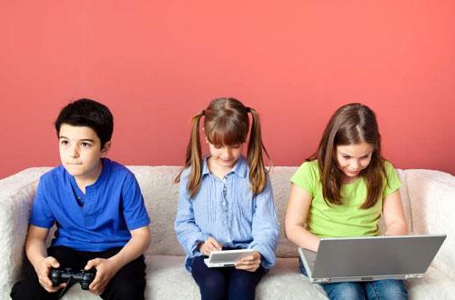 بازی های کامپیوتری دشمن کودکان است