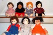 نقش عروسک درمانی در بهداشت روانی کودک