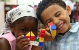 اسباب بازی به فعالیت های خلاقیت آمیز کودکان کمک می کند