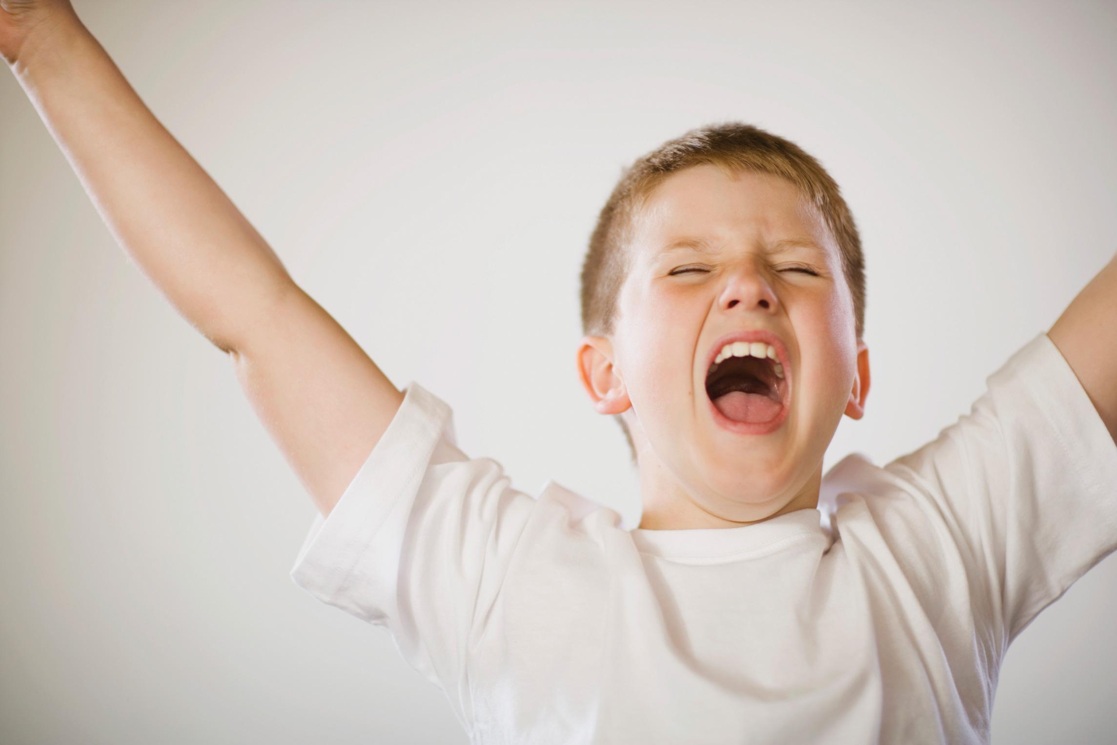 آشنایی با بیش فعالی کودکان و درمان آن