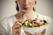 ۵ سۆال مهم درباره تغذیه زنان