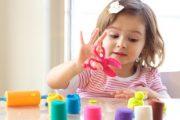 چگونه به کودک بیاموزیم خود را سرگرم کند؟
