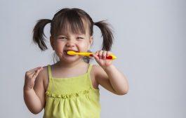 مسواک زدن در کودکان