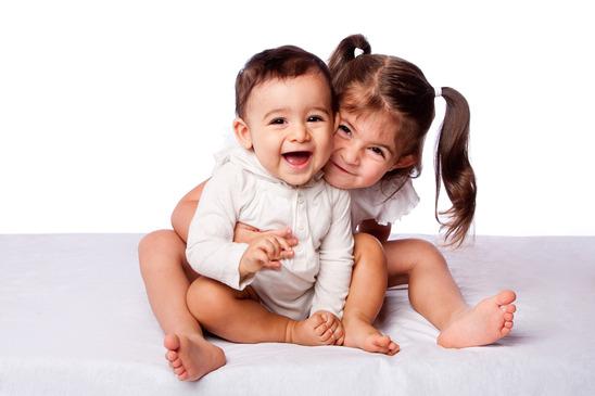 کمک به کودکان در پذیرفتن فرزند جدید خانواده
