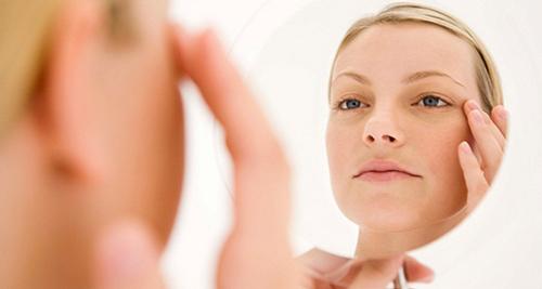 برای داشتن پوستی سالم و زیبا این مواد خوراکی را فراموش نکنید