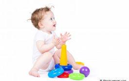 چگونه با نوزاد بازی کنیم؟
