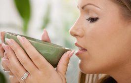 این نوشیدنی را جایگزین دهانشویه های صنعتی و مخرب برای دندان ها کنید!!