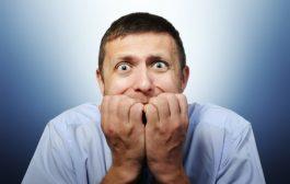 ۷ حرکتی که عصبیبودن شما را لو میدهند!