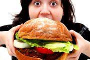 پرخوری در یک روز، باعث افزایش وزن زیاد نمی شود