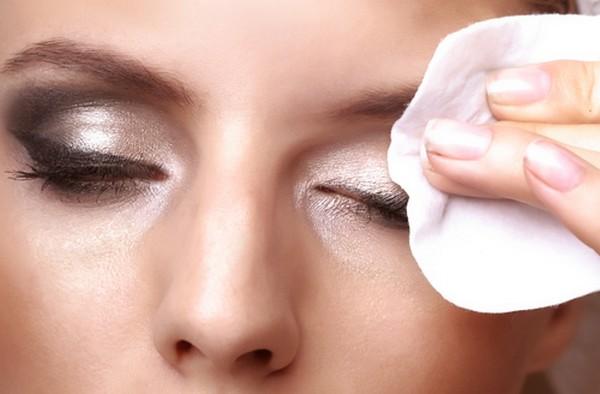 نکته های مهم در پاک کردن آرایش صورت