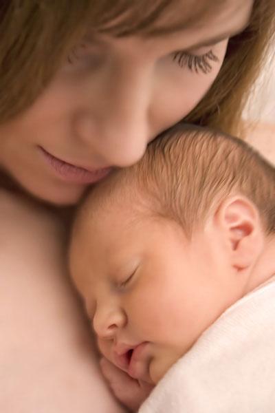 تماس مادر و نوزاد از بدو تولد