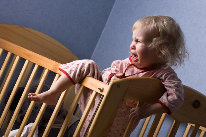 transitioning-from-co-sleeping-to-separate-beds
