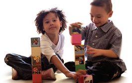 چطور به کودک خردسال آموزش دهیم اسباب بازیهایش رامرتب کند؟