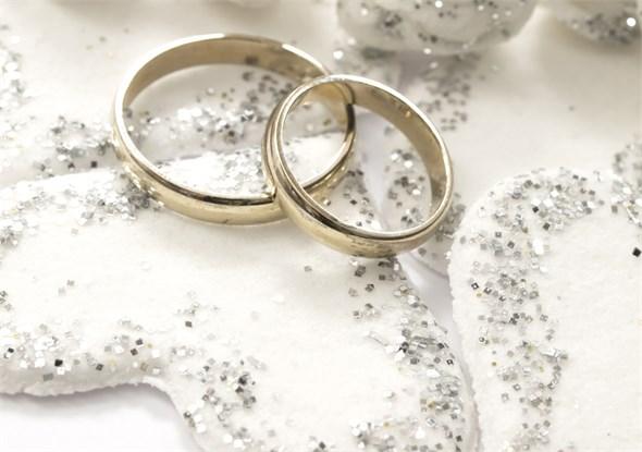بالاخره زود ازدواج کنیم یا دیر ؟!