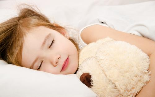 بچهها از چه سنی باید تنها بخوابند؟