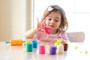 فرق آزاد گذاشتن کودکان با بیحرمتی