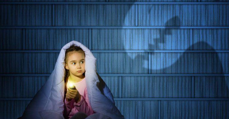 Child-Afraid-of-the-Dark-768x400