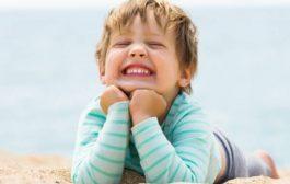 فواید خنده برای زیبایی چهره و سلامت بدن