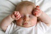 چند روش ساده برای تنظیم خواب نوزاد