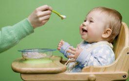 ۷ خطایی که در تغذیه فرزندتان مرتکب میشوید